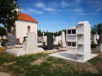 Új urnafal a temetőben